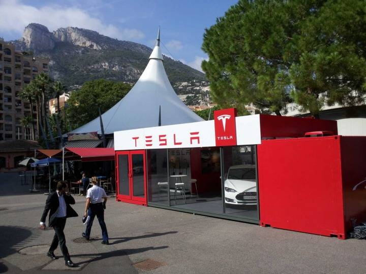 Tesla Pop-up Showroom